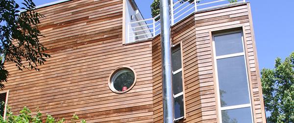Bescherming en decoratie voor verticaal hout